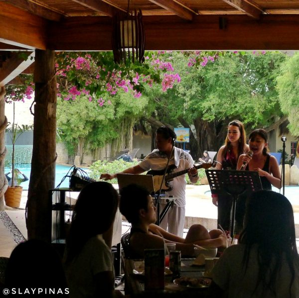 Acoustic sessions at the adjacent restaurant