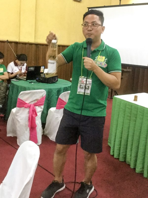 """Jun Bay of the Quezon Province Tourism Office became our """"tanggero"""" of the noon."""