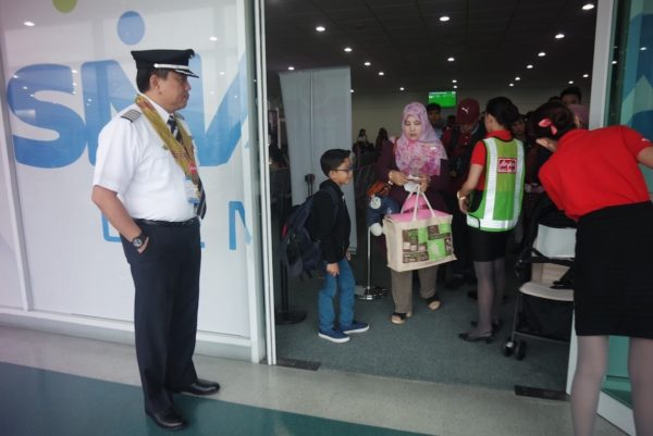 AirAsia Philippines CEO Capt. Dexter Comendador welcoming the passengers.