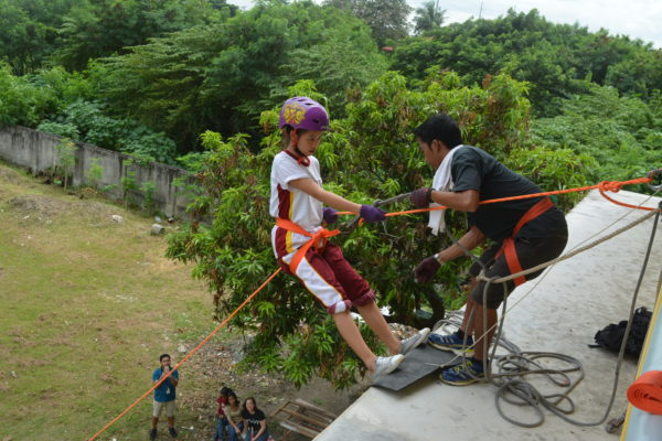 doing wall rappelling