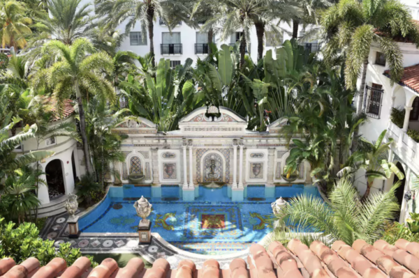 Villa Casa Casuarina Luxury Hotel in Miami
