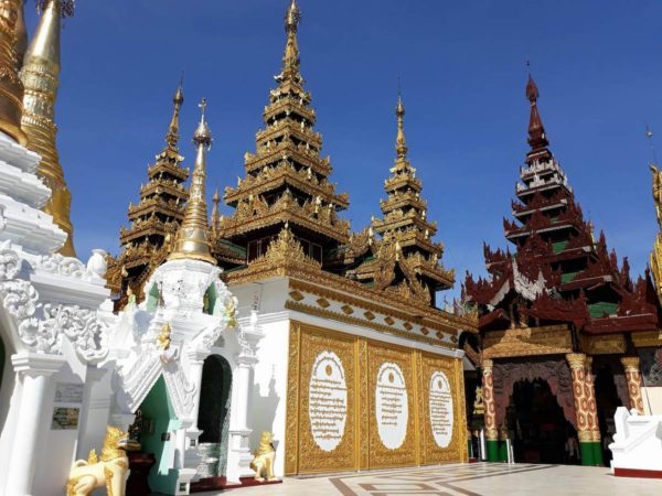 Beautiful Asian architecture of Shwedagon Pagoda