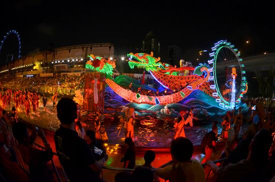 Marvel at the stunning lights and wonderful performances that illuminate the streets of Singapore during the Chingay Parade.