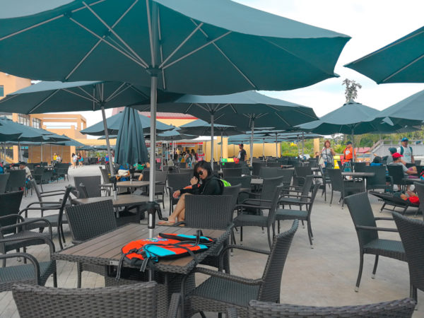 Umbrella, tables and chairs for free