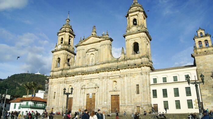 Plaza De Bolivar photo via Pixabay