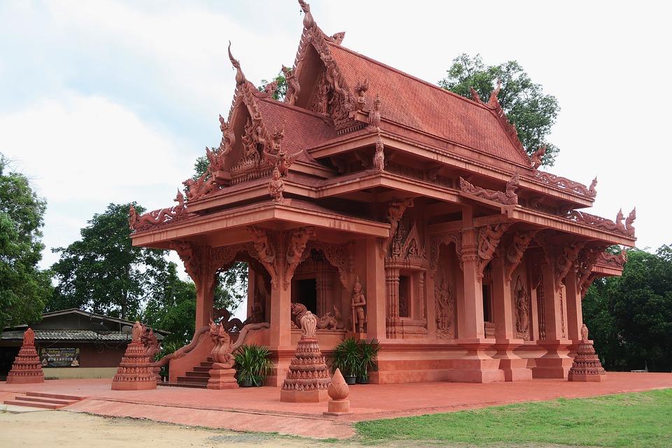 Hua Thanon Pink Temple