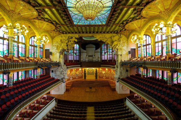 Palau de la Musica Catalana photo by Jiuguang Wang via Wikipedia CC
