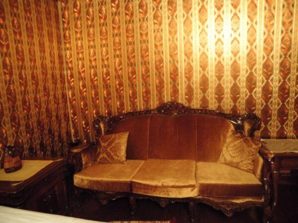 Sofa inside Tasodalar