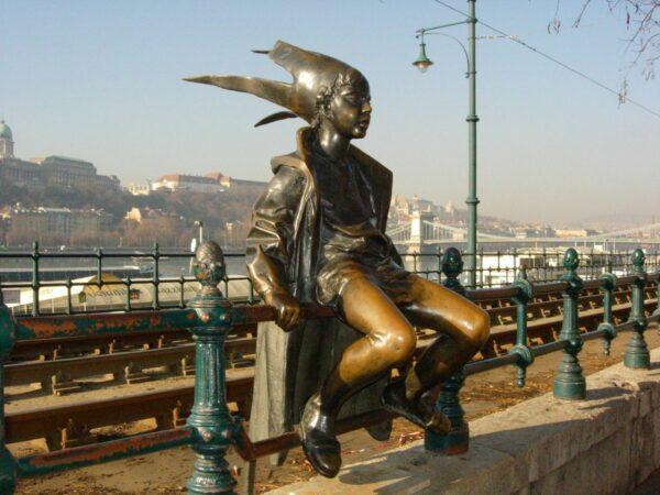 Little Princess at the Danube Promenade photo by Violeta via Wikipedia CC