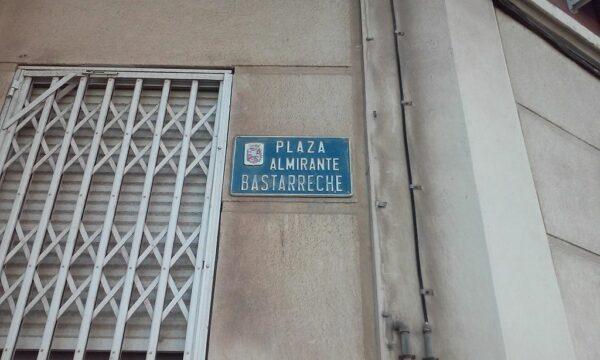 Plaza de Bastarreche photo via Wikipedia CC