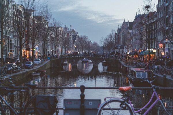 Prinsengracht Amsterdam photo by @leifniem Leif Niemczik via Unsplash