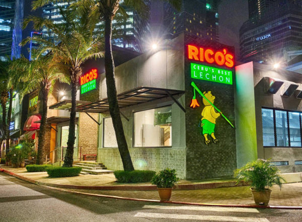 The first Ricos Lechon branch in Manila at Fort Entertainment Complex BGC
