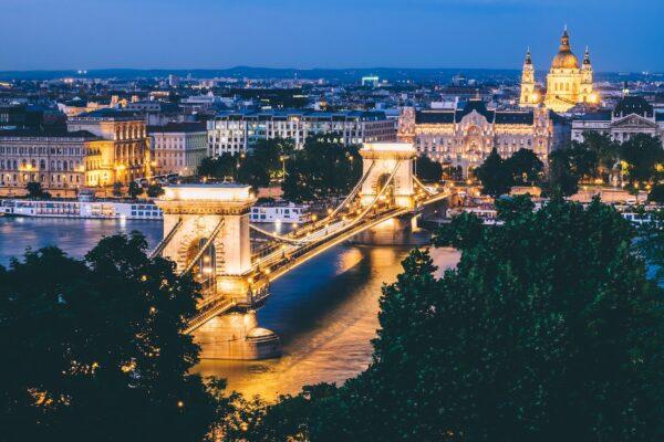 Tourist Spots in Budapest photo by Dan Freeman via Unsplash