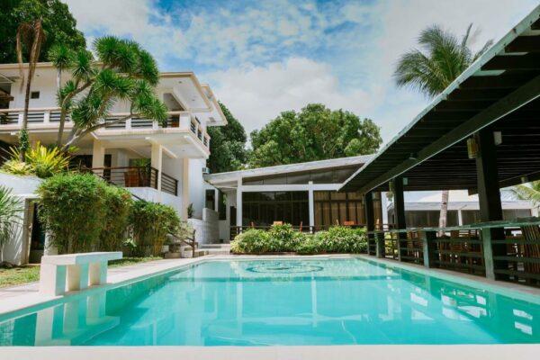 Halo Anilao Dive Resort