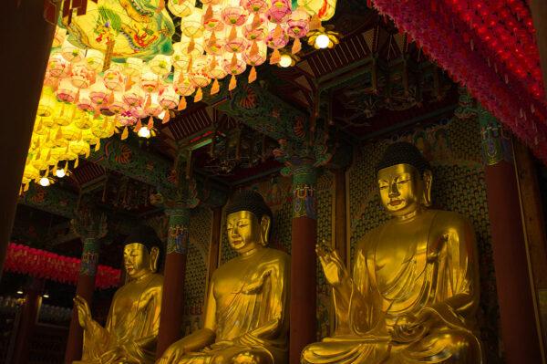 Jogyesa Buddhist Temple photo by Sevenrin.Stalder via Wikipedia CC