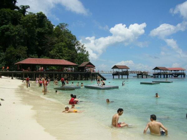 Payar Island photo by Shmunmun via Wikipedia CC