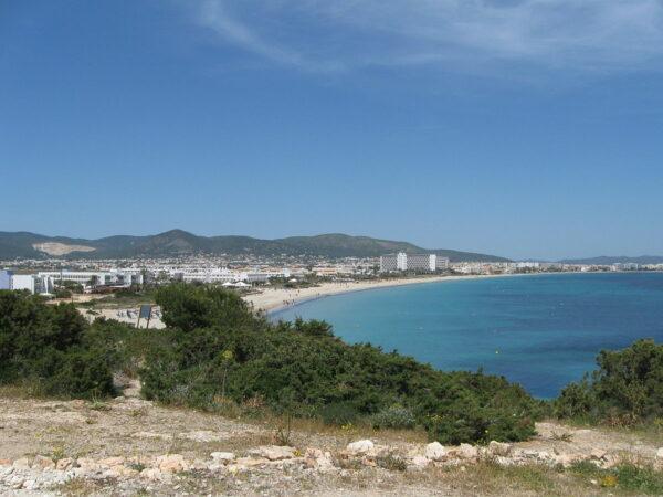 Playa den Bossa by Dougie Macdonald via Wikipedia CC