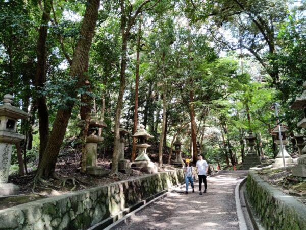 Walking around Fushimi Inari Shrine