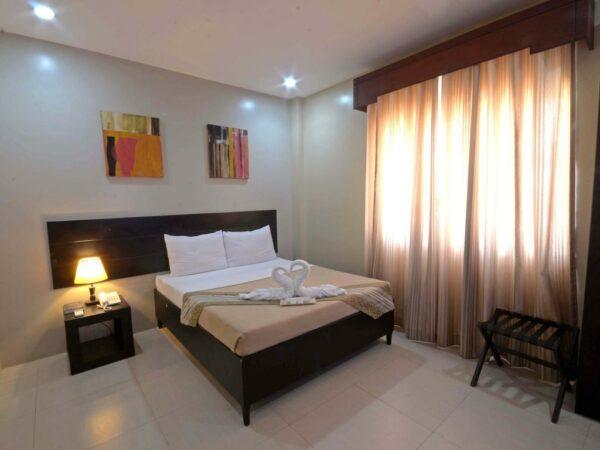 Holiday Suites Palawan