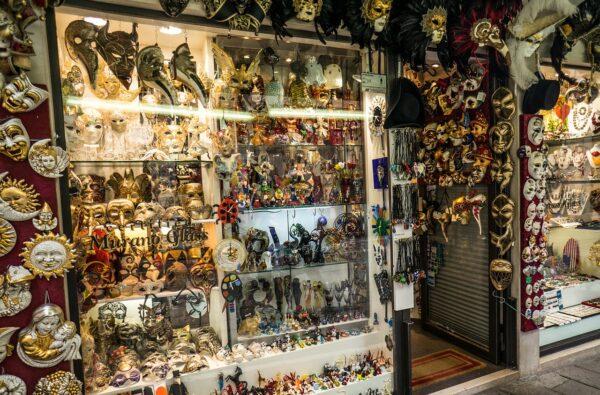 Souvenir Shops in Venice