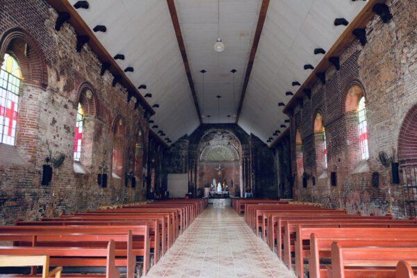 Isle leading to the grand altar in the church of Tumauini