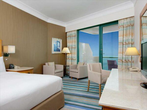 One King Bed Executive Sea View Room at Hilton Dubai Jumeirah