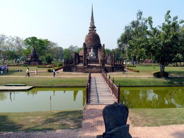 Wat Sa Si by Rennboot via Wikipedia CC