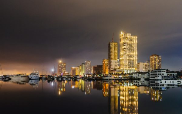 Best Things To Do in Manila at Night photo by Eugenio Pastoral via Unsplash