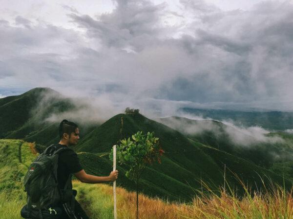 Binabaje Hills in Bohol