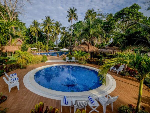 Daluyon salt chlorinated pool