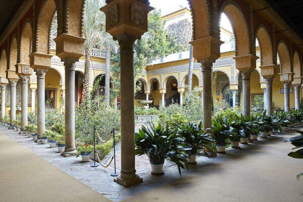 The Main Courtyard of Palacio de las Duenas photo by LasDuenas via Wikipedia CC