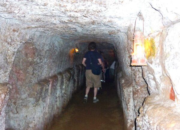 Vinh Moc tunnels by Pen War via Wikipedia CC