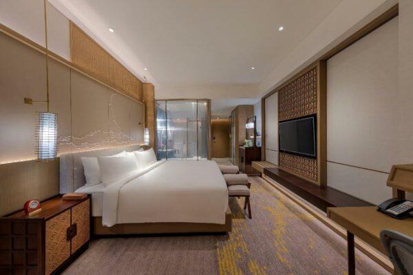 Pan Pacific Yangon Deluxe King Room