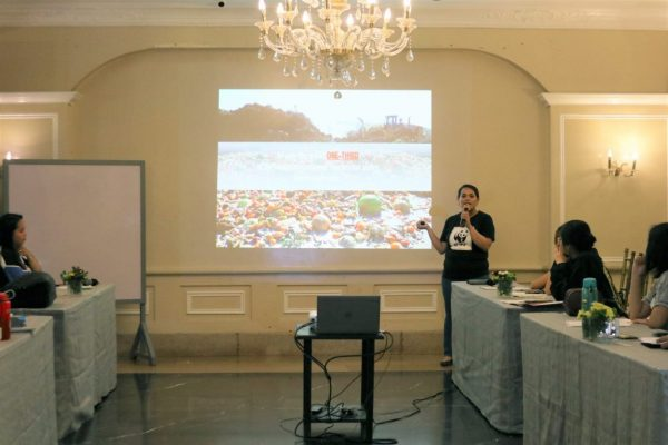 Melody Melo-Rijk, WWFs Project Manager for Sustainable Consumption and Production in the Philippines presenting alarming food waste statistics to the participants