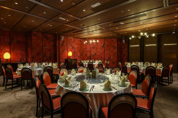 The 8,000 sq ft restaurant seats 260, perfect for celebratory events and wedding banquets, two elegant private VIP dining rooms are auspiciously styled in ruby red and decorated with floral paintings, vintage cabinets and lotus-shaped lamps