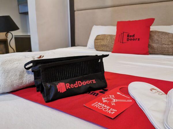 RedDoorz Slippers and Toiletries