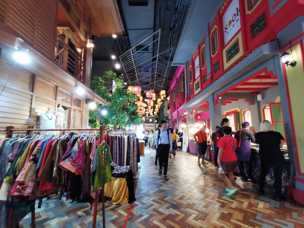 Thai Fabrics and Clothes at SookSiam
