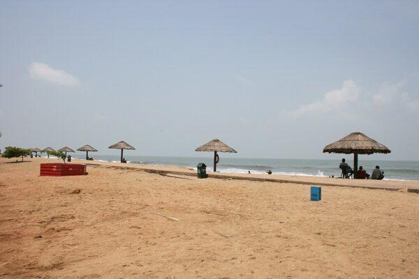 Cherai Beach photo by Sabincp via Wikipedia CC