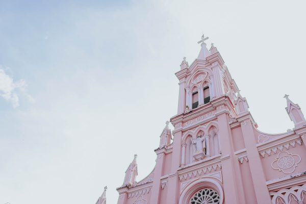 Da Nang Cathedral photo by Ngoc Thuan via Unsplash