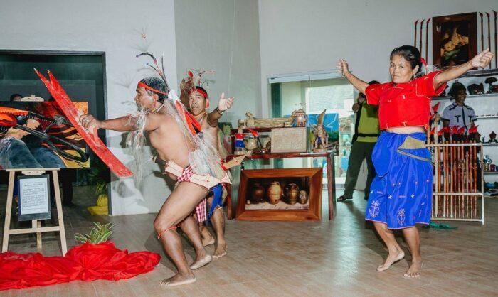 Bugkalot tribal dance