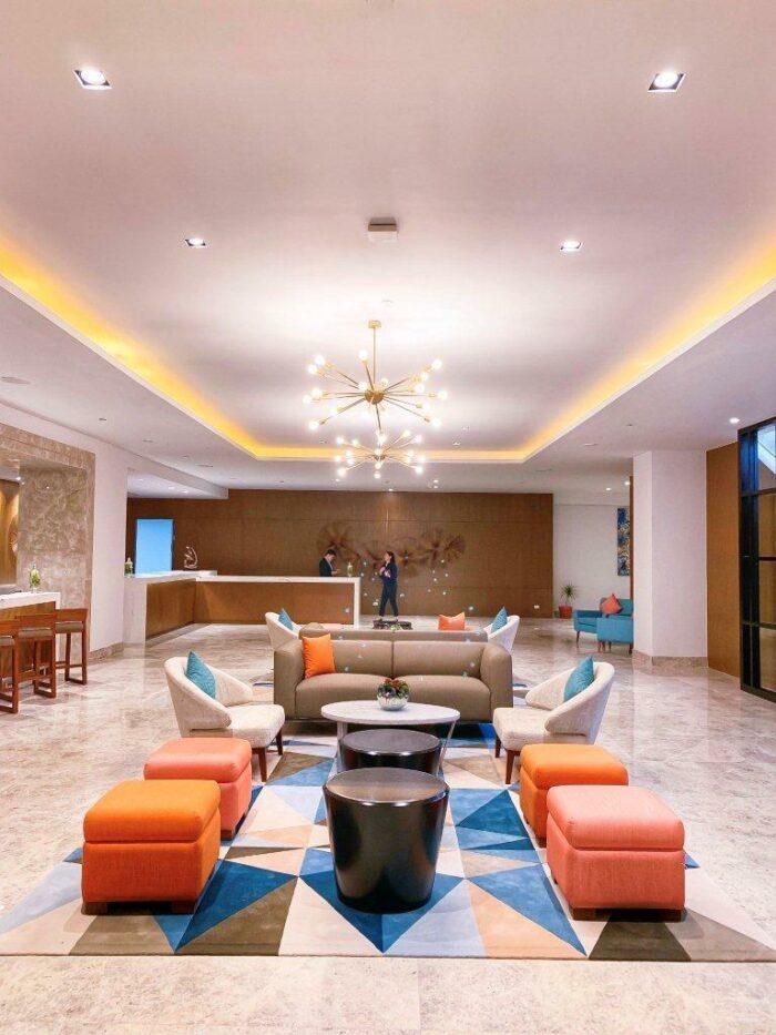 Hotel Lucky Chinatown Lobby
