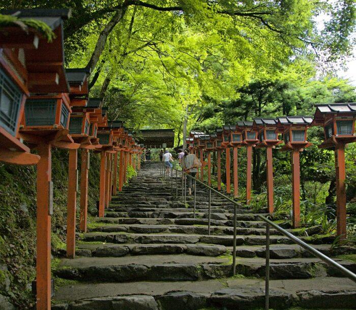 Kifune Shrine photo by Chi King via Wikipedia CC