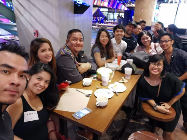Pinoy Travel Bloggers at the campaign launch