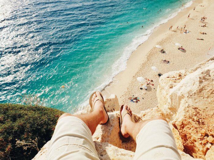 Best Antalya Hotels, Turkey photo by @ahmetsali via Unsplash