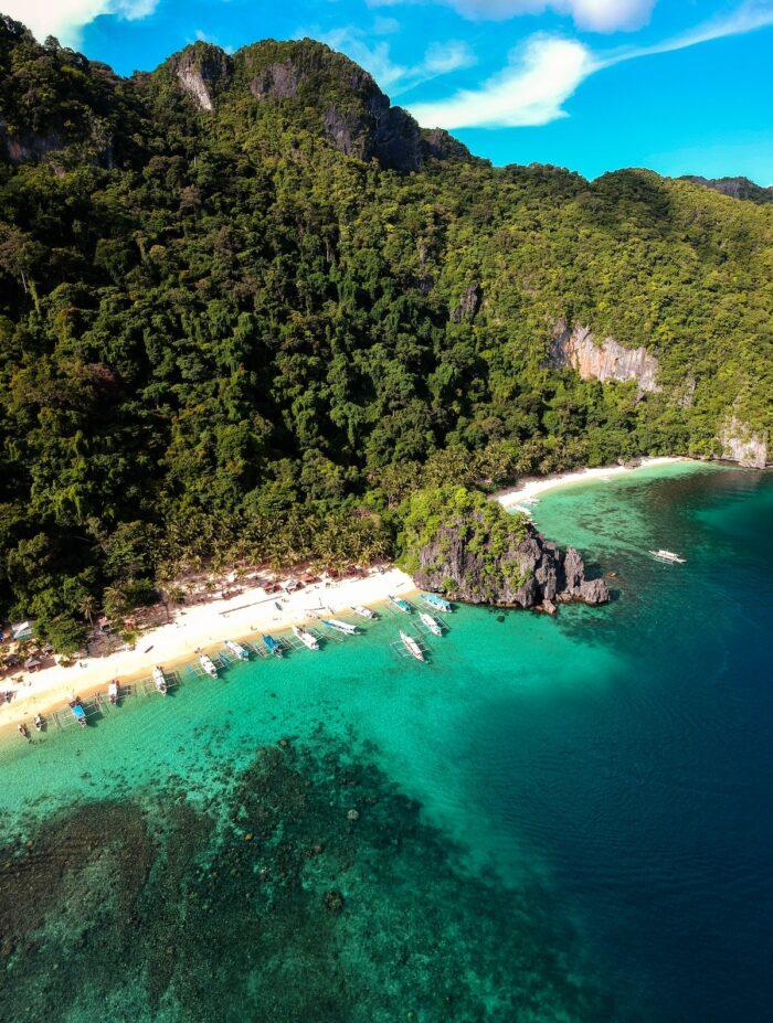 El Nido Palawan photo by @wherefalz via Unsplash