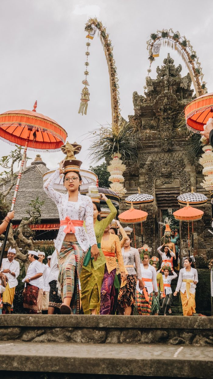 Festival in Bali by Ruben Hutabarat via unsplash
