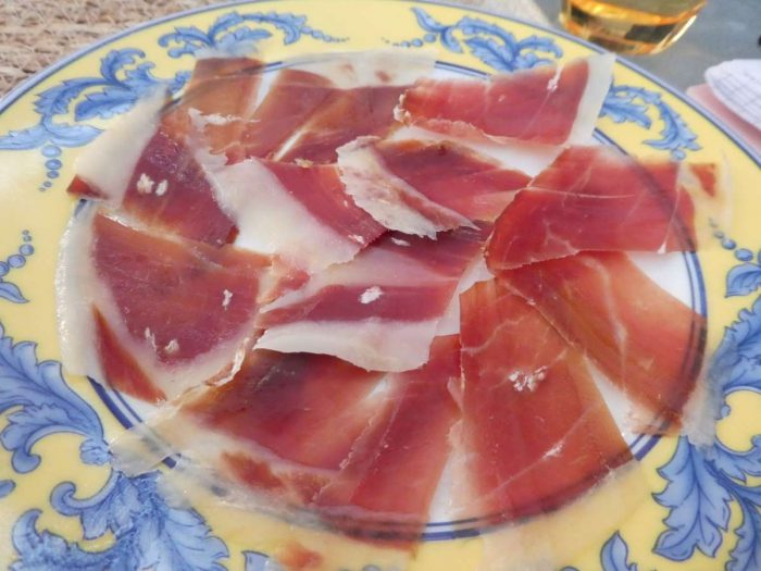 A mixed plate of jamón