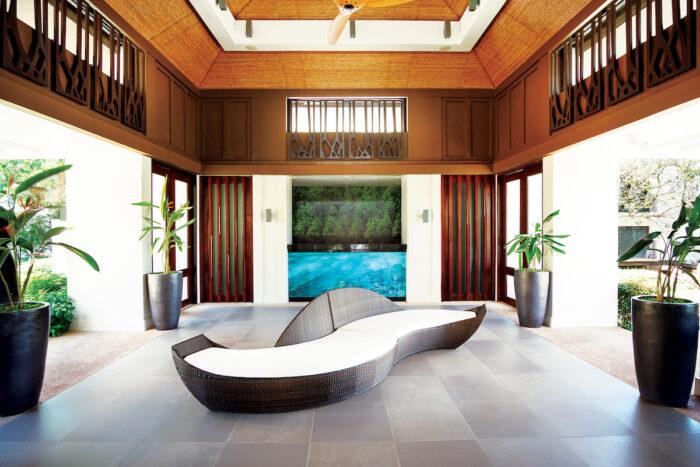 Bacau Bay Coron Lobby Area