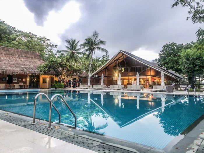 Club Paradise Poolside