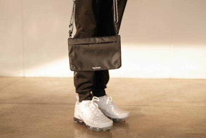 Fold Saccoche Dry Crossbody Bag by Topologie